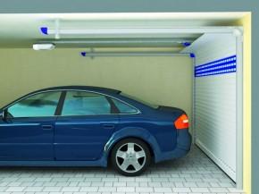 Das Deckenlauftor ist eine von unterschiedlichen Torvarianten von Rolladen-Wagner GmbH (Foto: ALULUX)